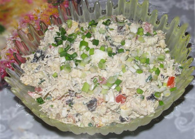 Салат з куркою і грибами: рецепт «Жозефіна»
