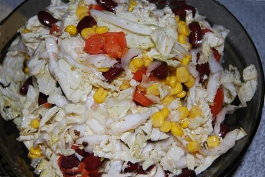 Салат з пекінської капусти і кукурудзи - рецепт