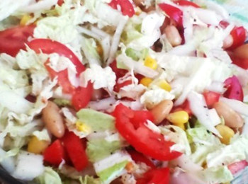 Салат з пекінської капусти і кукурудзи