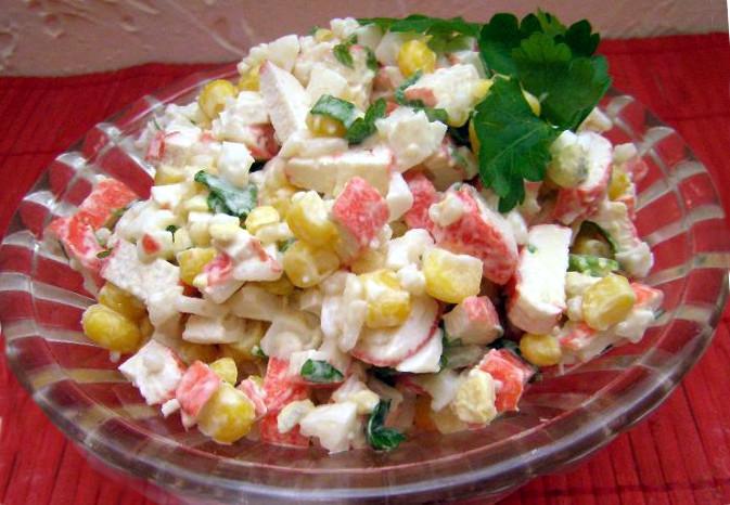 Рецепт салату з крабовими паличками і кукурудзою