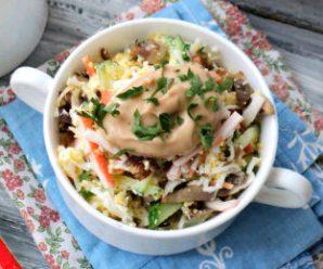 Салат з крабових паличок і грибів