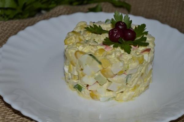 Салат з мівіни і крабових паличок - рецепт