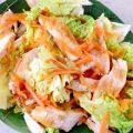 Салат з пекінки, курятини і моркви